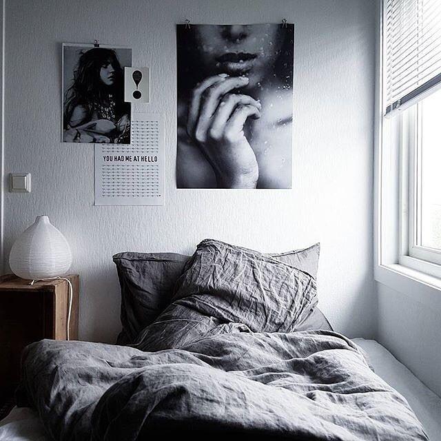 Fint kig til det skønne soveværelse hos @skrinetmitt ! Den smukke fotoposter fra Via Martine passer helt perfekt over sengen!