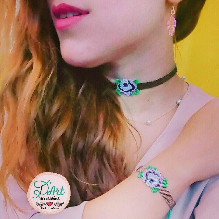Una Rosa , una hermosa gargantilla tejida a mano, un accesorio único que realza tu belleza!  Un lindo diseño de @sibelinelsanatlari   #accesoriosDArt #ginnaandyessika #hechoamano #hechoencolombia  #bogota #handmade #colombia #color #rosa #rosaroja #rosa #flores #rouse #rojo #negro #gargantilla #elmejoregalo #amoryamistad #vivelamodadart #belleza #mujer #miyuki #miyukiaddicts #miyukibeads #miyuki#miyukidelicas
