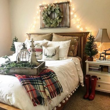 Awesome Christmas Bedroom Design 19