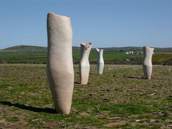 Dancing The Clay Ceramic Sculpture İnstallation In Outdoor Public Es Ceramics