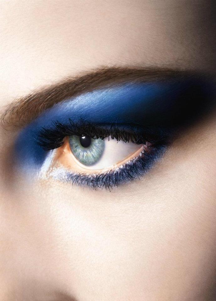 1000 id es sur le th me ombre paupi res pour les yeux bleus sur pinterest maquillage yeux. Black Bedroom Furniture Sets. Home Design Ideas