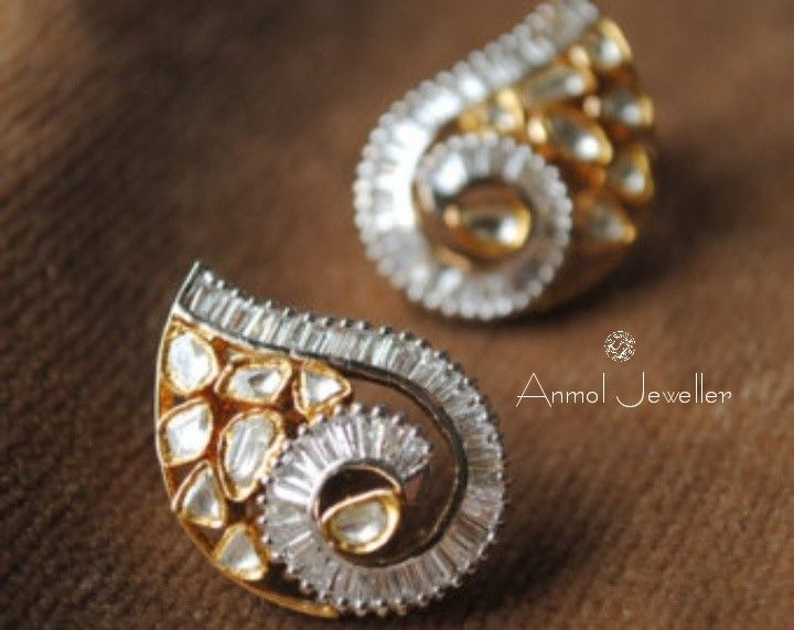 A designer latest polki earings with a combination of squared diamond clusters looks so beautiful.. #gold #earing #latest #beautifull #stylish #unique #love #style #trendy #royal #luxury #jewel #jewellery #tops #petalshaped #designer #diamond  For queries call:  9910401704.  For orders mail : Anmol.jeweller01@gmail.com
