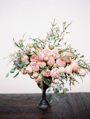 gorgeous flower arrangement   jaclyn journey