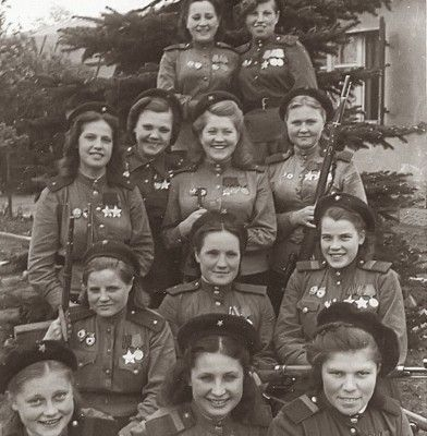 Οι γυναίκες της φωτογραφίας σκότωσαν 775 Γερμανούς. Ήταν οι θανατηφόροι ελεύθεροι σκοπευτές του σοβιετικού στρατού