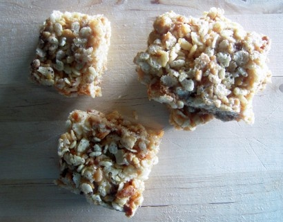 Butterfinger & Snickers Rice Krispie Treats | Tasty Kitchen: A Happy ...