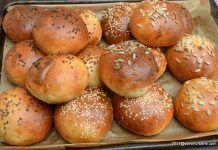 Chifle pentru hamburger sau burgeri – painici moi si pufoase