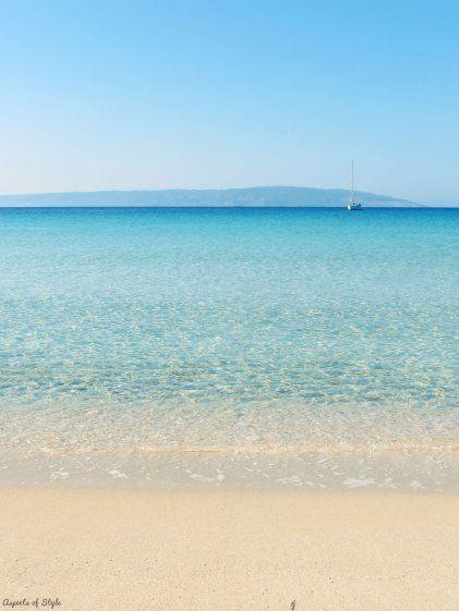 turquoise color in Simos beach, Elafonisos Island, Greece (isn't the sea amazing?!)