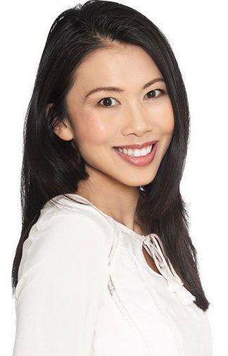 Jasmyn - schwarze Haare - braun e Augen - Greens Modelagentur