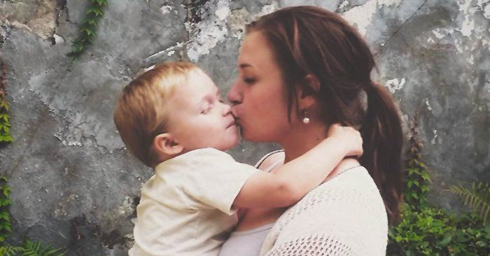 Al ser mamá tuve que dejar de lado algunas de mis metas, pero tengo una nueva definición de éxito. Convertirme en una madre joven no significa haber fracasado