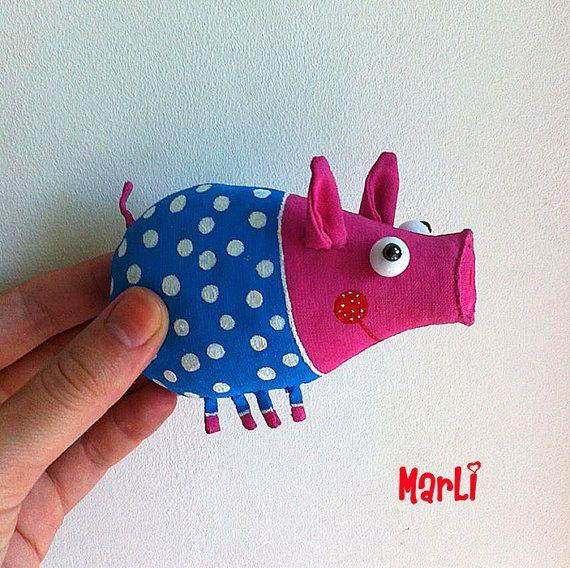 pig brooch by MarLitoys on Etsy
