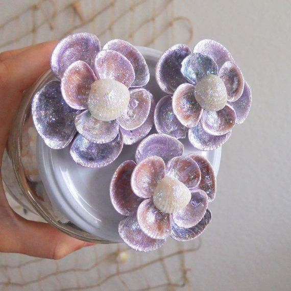 seashell flowers | Seashell Flowers, Magnets | Seashell Crafts