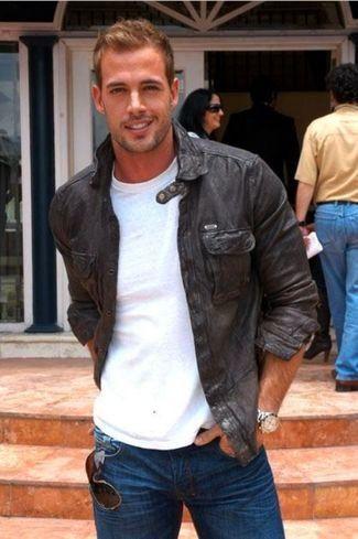 Schwarze Leder Bomberjacke, Weißes T-Shirt mit Rundhalsausschnitt, Dunkelblaue Jeans für Herren