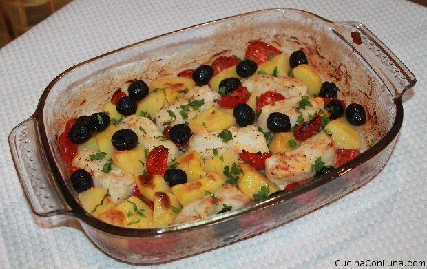 – Merluzzo al forno con patate e olive nere