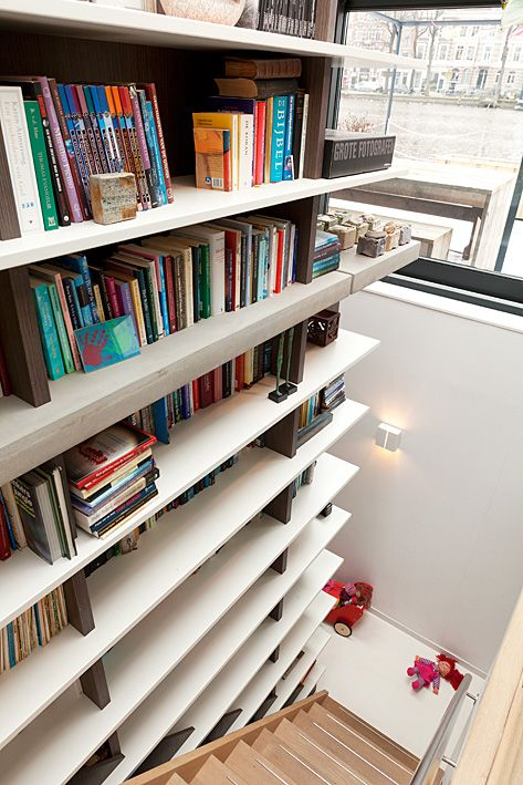 Storage idea! One of a series of interior photo's in a houseboat in Amsterdam. Photography by Jansje Klazinga JKF®