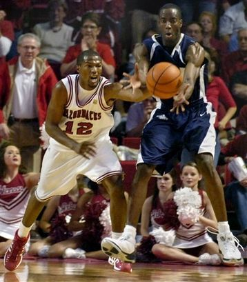 Arkansas guard Gary Ervin scored 16 points to lead the Razorbacks to a 62-51 win over Oral Roberts on Saturday. Description from razorbloggers.net. I searched for this on bing.com/images