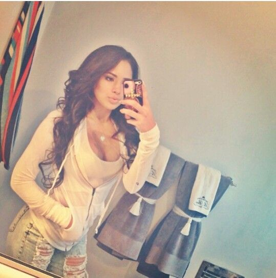 Jasmine villegas.... I wanna get my hair this long