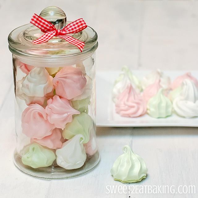 Meringue Kisses via @Lisa Phillips-Barton Phillips-Barton Phillips-Barton Phillips-Barton {Sweet 2 Eat Baking}