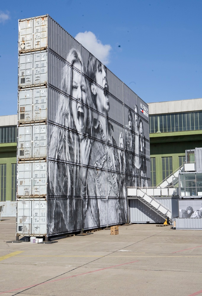 #ContainerArt Multiple containers used as a massive canvas for Tommy Hilfiger 'billbaord'