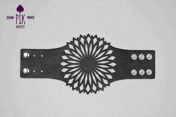 PRIX CHAUD Cuir Bracelet cuir boutons de manchette par PikBracelet