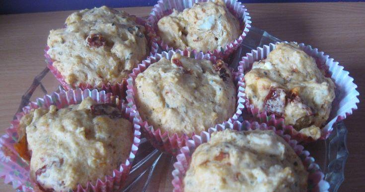 MONIA GOTUJE: Pikantne muffiny z kurczakiem, fetą i suszonym pomidorem
