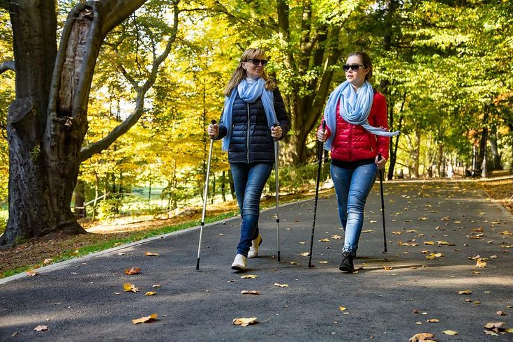 Nordic Walking: Fall Is a Great Time to Experience the Healthy Benefits of This Whole-Body Workout #30secondmom