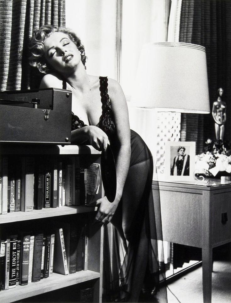 REFLECTIONS — marilynmonroefanatic: Marilyn Monroe...