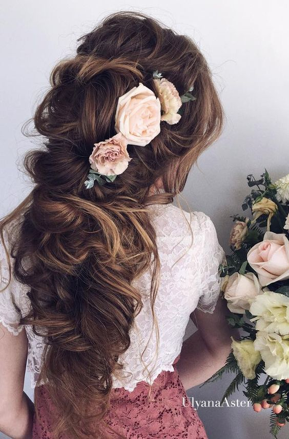 Long wedding hairstyle idea via Ulyana Aster - Deer Pearl Flowers / http://www.deerpearlflowers.com/wedding-hairstyle-inspiration/long-wedding-hairstyle-idea-via-ulyana-aster/