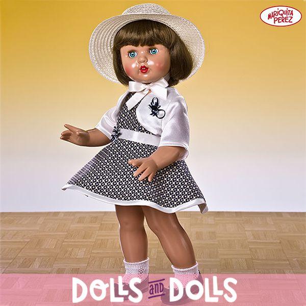 #MariquitaPérez luce un elegante conjunto de rombos con el que espera impaciente la primavera. Sin duda, Mariquita Perez sigue siendo una auténtica joya para los coleccionistas y amantes de esta famosa #muñeca que nunca pasa de moda. #Dolls #DollsMadeInSpain #Bonecas #Poupées #Bambole #MariquitaPérezDolls #MuñecasDeColección