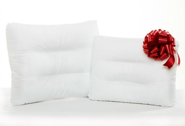 Come check out the review and Enter to Win the Mama Experience Pillow Givaway!   http://www.themamaexperience.com/2014/12/headleveler-pillow-giveaway-2/