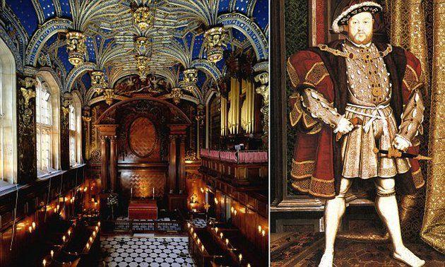 Először tartottak katolikus misét a Hampton Court-palota kápolnájában azóta, hogy VIII. Henrik angol uralkodó 1534-ben szakított a katolikus egyházzal. Hampton Court kápolnája VIII. Henrik magánkápolnája volt.