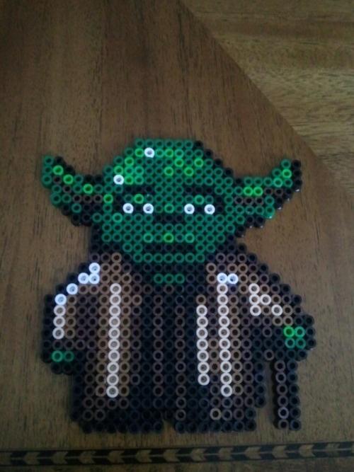 Yoda Star Wars /  Perler Beads - Hama perlen - Bügelperlen