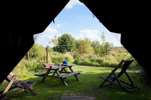 Overnacht in een BoerenBed #tent op een #boerderij omringd door vele dieren. De perfecte mini-vakantie voor het hele gezin! #reizen #camping #boer #reizen #travel #travelbird #vakantie