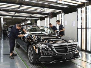Mercedes-Benz Eyes Double-Digit Growth In 2017 In India — Aggression Set To Continue