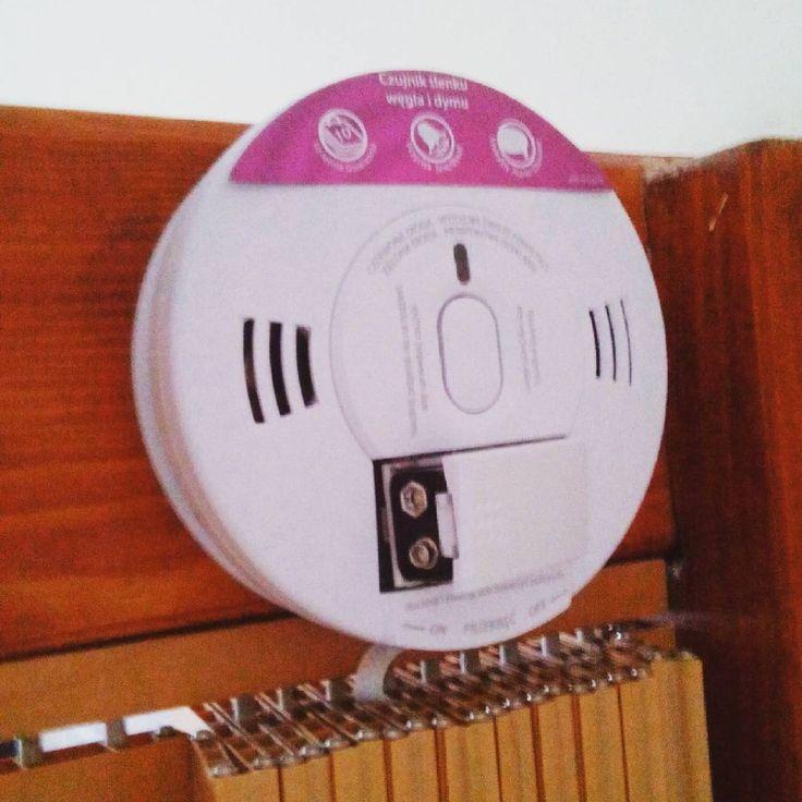 A czy w Waszych czujkach #czadu i  dymu wymienione są baterie? #bispro24  #czujka #czad #bezpieczeństwo