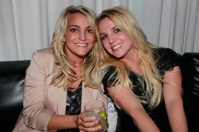 Britney Spears duetta con la sorella Jamie Lynn Spears nel nuovo album 'Britney Jean' e svela ''Quando ho cominciato non ero pronta per il successo''http://www.sfilate.it/211061/britney-spears-duetta-con-la-sorella-jamie-lynn-spears