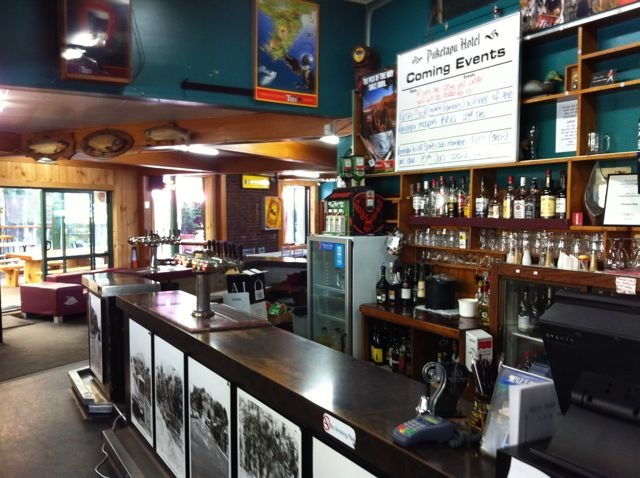 A traditional kiwi pub. A favourite with cyclists. Order your 750ml beer, sit in the sun or play a game of pool.