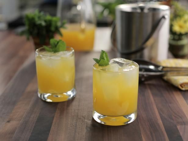 Totally '80s Fuzzy Navel Recipe | Valerie Bertinelli | Food Network