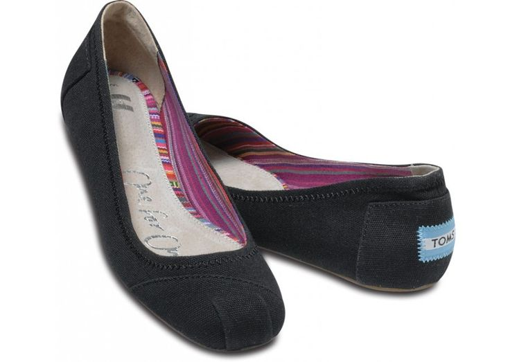 Toms Black Canvas Ballet Flats.... buying these soon :)