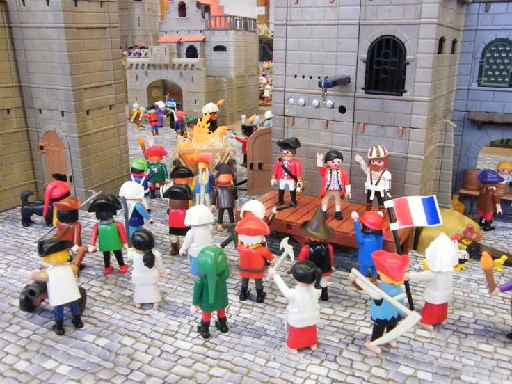 custom playmobil alizobil la prise de la bastille en playmobil cr ation d 39 une maison playmobil. Black Bedroom Furniture Sets. Home Design Ideas