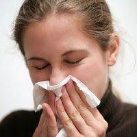 Ketika menderita pilek atau alergi, seringkali orang mengalami kesulitan bernapas karena sinusnya terganggu atau akrab disebut hidung mampet. Bagaimana cara mengatasinya?