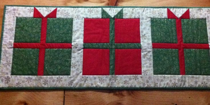 Present Tablerunner Idea From Present Quilt Tutorial At
