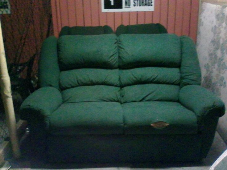 2 Seater lounge good condition apart from small tear in right cushion, comes with 2 matching recliners great condition $200 ono.