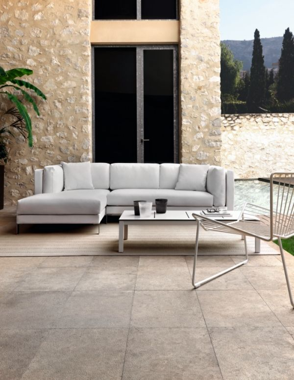 Slim modular sofa by Studio expormim. Outdoor collection. Year: 2013.