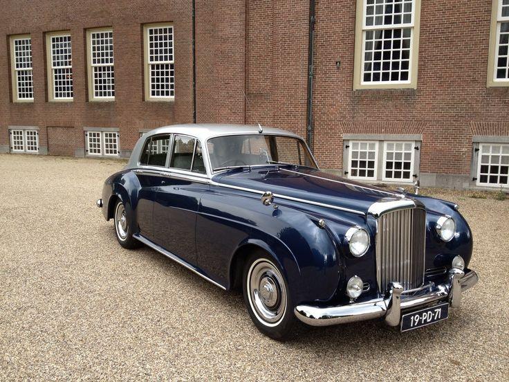 Bentley Saloon 1961 Klassiek vervoer voor o.a. Bruiloften, Vrijgezellen Feesten, Gala's en Familie uitjes al vanaf 65,= p/u