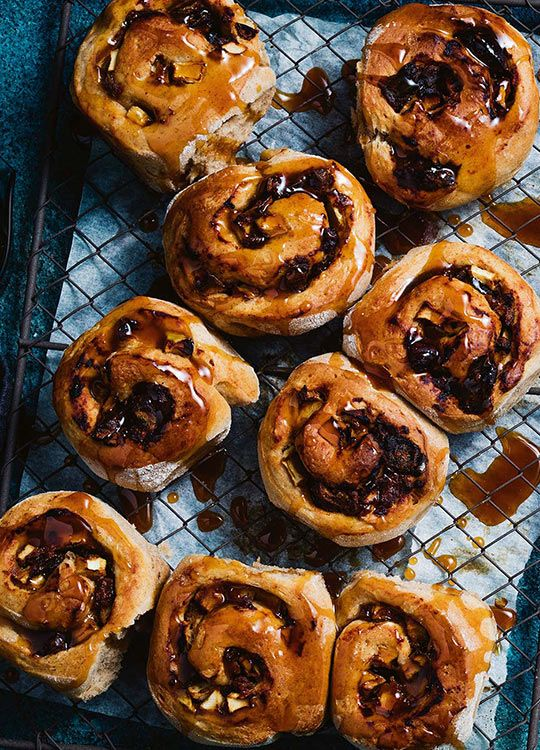 How to make Miso Apple & Date Scrolls