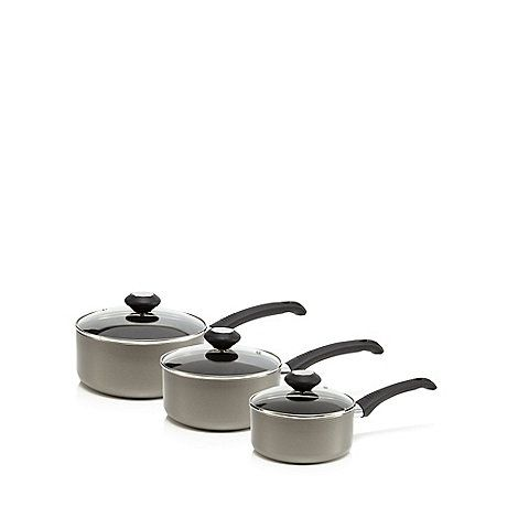From our Home Collection range, this set of three aluminium saucepans have been designed with non stick material for easy cleaning, as well as heat resistant pan and lid handles. In grey, the set includes a 16cm, 18cm and 20cm sized saucepans.