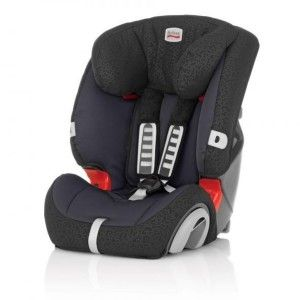 La Britax Evolva 123 Plus 2013 es una apuesta segura y muy versátil para viajar con niños de entre los 9 meses y los 36kg de peso. Cuenta con arnés de 5 puntos, una funda muy acolchada y cómoda, y con la seguridad de la marca Römer Britax.