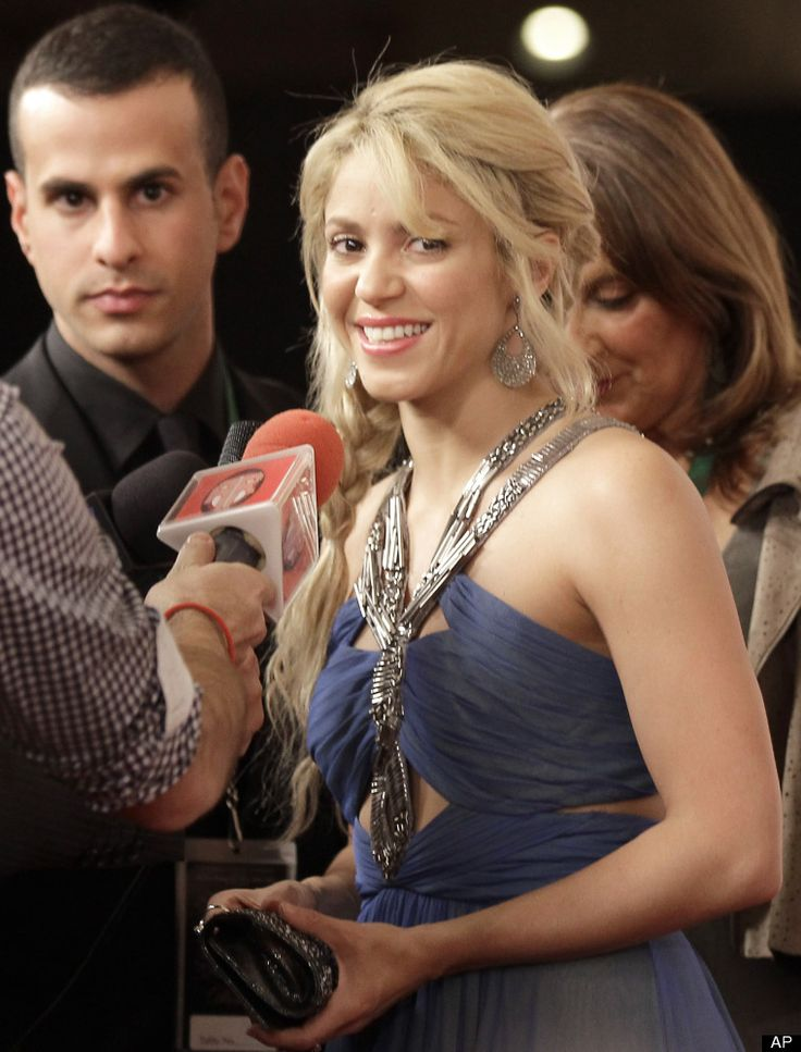 Shakira  What can we say about the most famous Colombiana in the world? Shakira, who was born and raised in Baranquilla, wears her Colombian pride on her sleeve. Aside from representing Colombia all over the world with her immense talent, Shaki has also given back to her native country. In 1995, she founded the Pies Descalzos Foundation, a Colombian charity that provides education and meals for 4000 children.