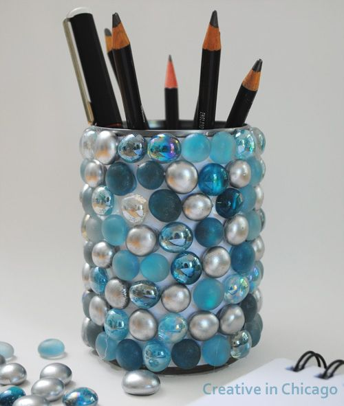5. Bling Pencil Pot | From Drab To Fab: 48 DIYs For Average Tin Cans