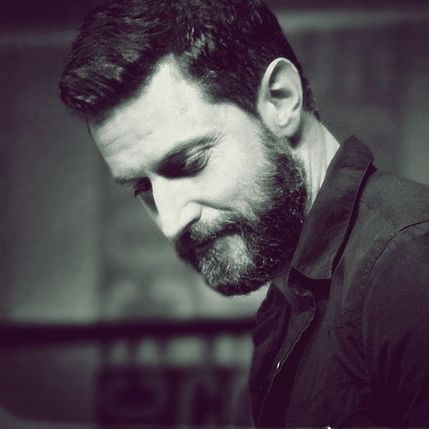 Is this not a beautiful man with a beautiful beard? Richard Armitage